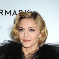 Lady Gaga : ses fesses à l'air en plein concert pour se f*utre de Madonna !
