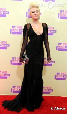 Miley Cyrus, à la fois rock et sexy !