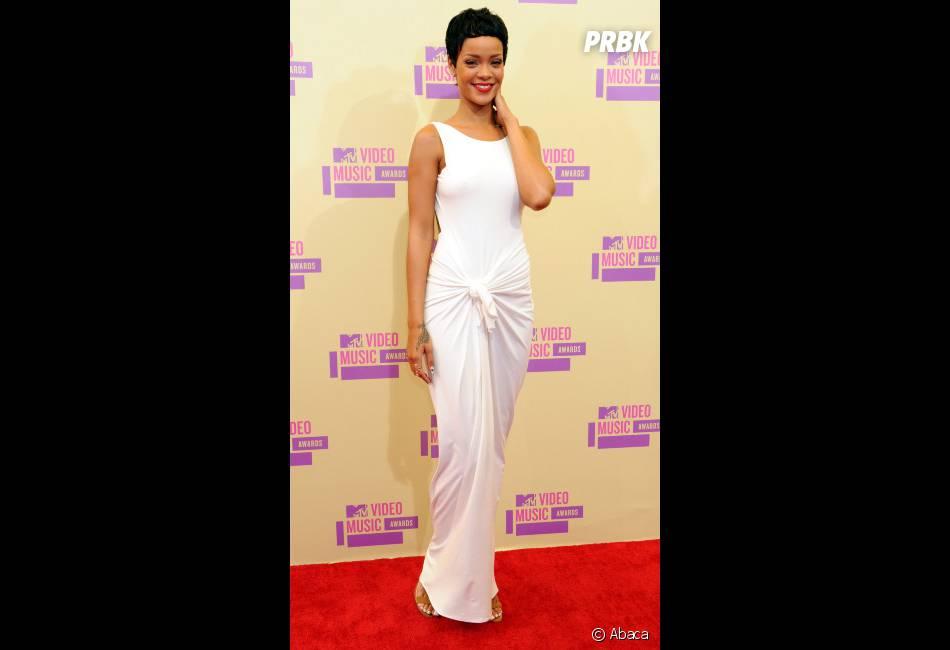 Rihanna, ultra glamour aux MTV VMA 2012