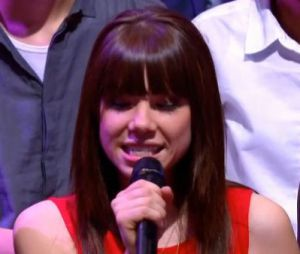 Carly Rae Jepsen chante Call Me Maybe en acoustique au Grand Journal