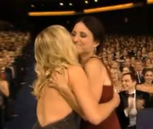 Julia Louis-Dreyfus et Amy Poehler lors des Emmy Awards 2012