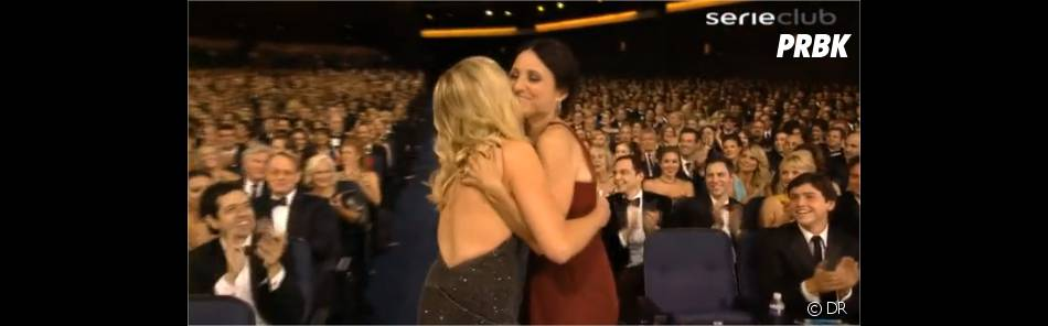Julia Louis-Dreyfus et Amy Poehler lors des Emmy Awards 2012