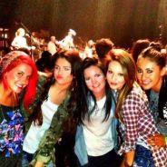 Selena Gomez : Justin Bieber en tournée, elle s'éclate entre copines devant un autre beau gosse... (PHOTO)