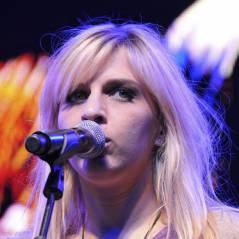 Amandine Bourgeois : Concerts annulés et album qui fait flop ! Elle est au bout du rouleau !
