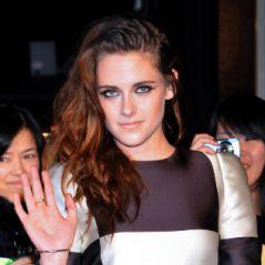 Twilight 5 : Kristen Stewart seule mais canon pour la promo à Tokyo (PHOTOS)