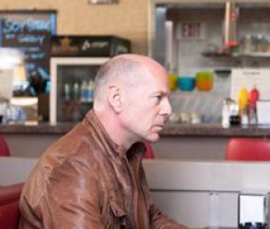 Bruce Willis rencontre son lui du passé