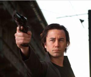 Joseph Gordon-Levitt porte un maquillage pour ressembler à Bruce Willis