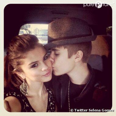 Selena Gomez prend souvent l'avion pour retrouver Justin Bieber