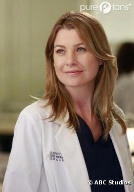 Meredith nous fait un sourire dans l'épisode 8 de la saison 9 de Grey's Anatomy