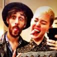 Miley Cyrus continue de nous poster des photos sur Twitter