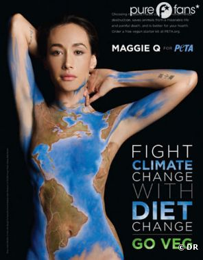 Maggie Q nue pour PETA.