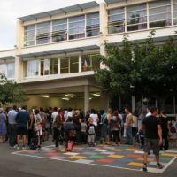 Facebook : 2 lycéens virés après des insultes et photomontages sur leurs profs