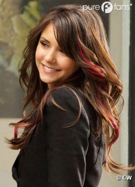Elena change de look dans Vampire Diaries