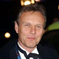 Anthony Head : d'observateur dans Buffy à roi dans The Selection