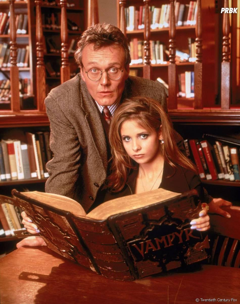 Anthony Head et Sarah Michelle Gellar dans Buffy contre les vampires