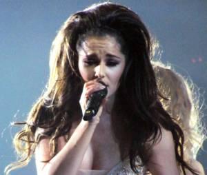 Cheryl Cole séduit le public avec ses tenues légères