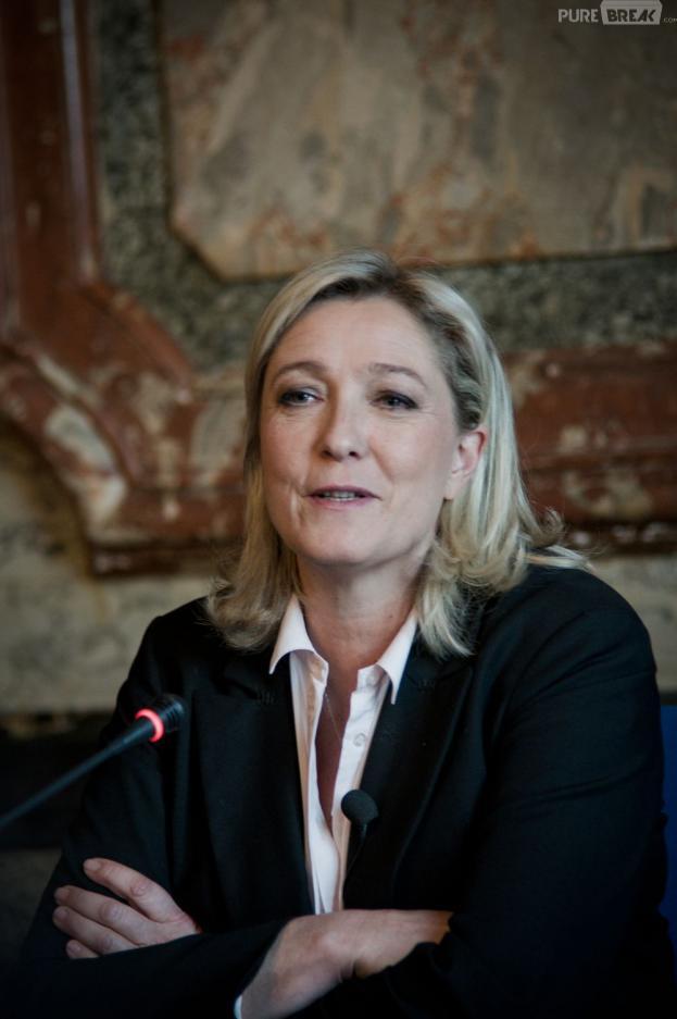 Marine Le Pen appelle à la dissolution du gouvernement en réponse à l'affaire Cahuzac.