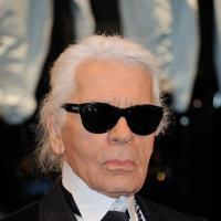 """Karl Lagerfeld, l""""homme sans âge"""", dévoile (enfin!) sa date de naissance"""