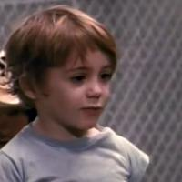 """Robert Downey Jr : """"Tu as des poils sur tes c*uilles ?"""" sa 1ère réplique ciné à 5 ans"""
