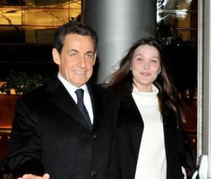 """Carla Bruni se trouvait """"juste horrible"""" avec 20 kilos de plus"""