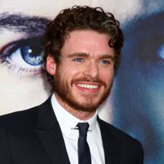 Game of Thrones : Richard Madden passe de roi du Nord à Prince Charmant au cinéma