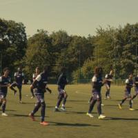 """Les Petits Princes : un film """"intergénérationnel"""" entre foot et adolescence"""