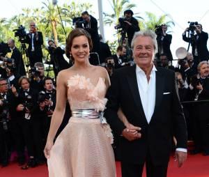 Marine Lorphelin Miss France 2013 et Alain Delon pour la cérémonie de clôture du Festival de Cannes 2013, le 26 mai
