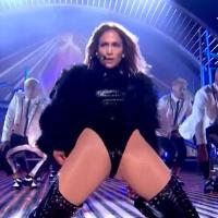 Jennifer Lopez : sa tenue sexy à la télé choque les britanniques