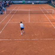 """Roland-Garros : Pierre-Etienne Léonard, le """"commentateur fou"""", génie du web"""