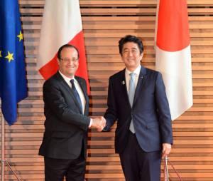 François Hollande et le premier ministre japonais Shinzo Abe, vendredi 7 juin 2013 à Tokyo