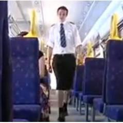 Interdits de shorts, des hommes vont travailler en jupe