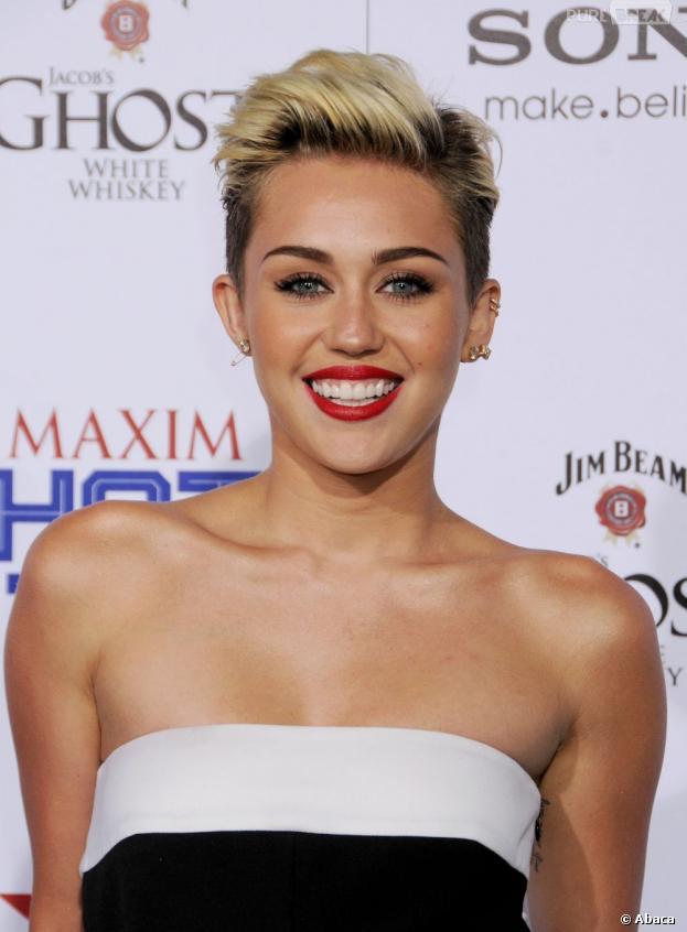 Clashée par Amanda Bynes, Miley Cyrus répond