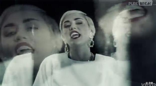 Miley Cyrus clame haut et fort qu'elle fume des joints
