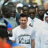 Lionel Messi en mission humanitaire au Sénégal et accueilli en superstar