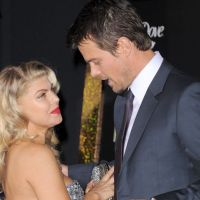 """Josh Duhamel : futur papa anxieux """"Fergie et moi sommes très préoccupés par cette grossesse"""""""