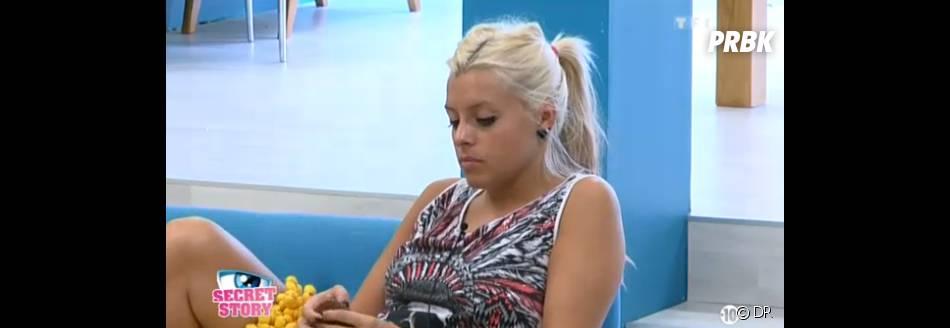Secret Story 7 : Alexia confie à Anais qu'Emilie correspond à la femme idéale de Julien