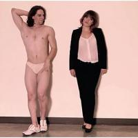 Robin Thicke : Blurred Lines, le clip parodié avec des mecs en string
