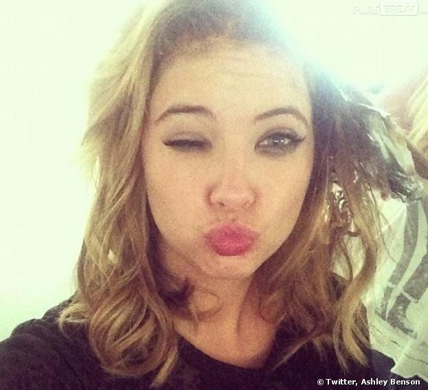 Ashley Benson imite Amanda Bynes sur Twitter