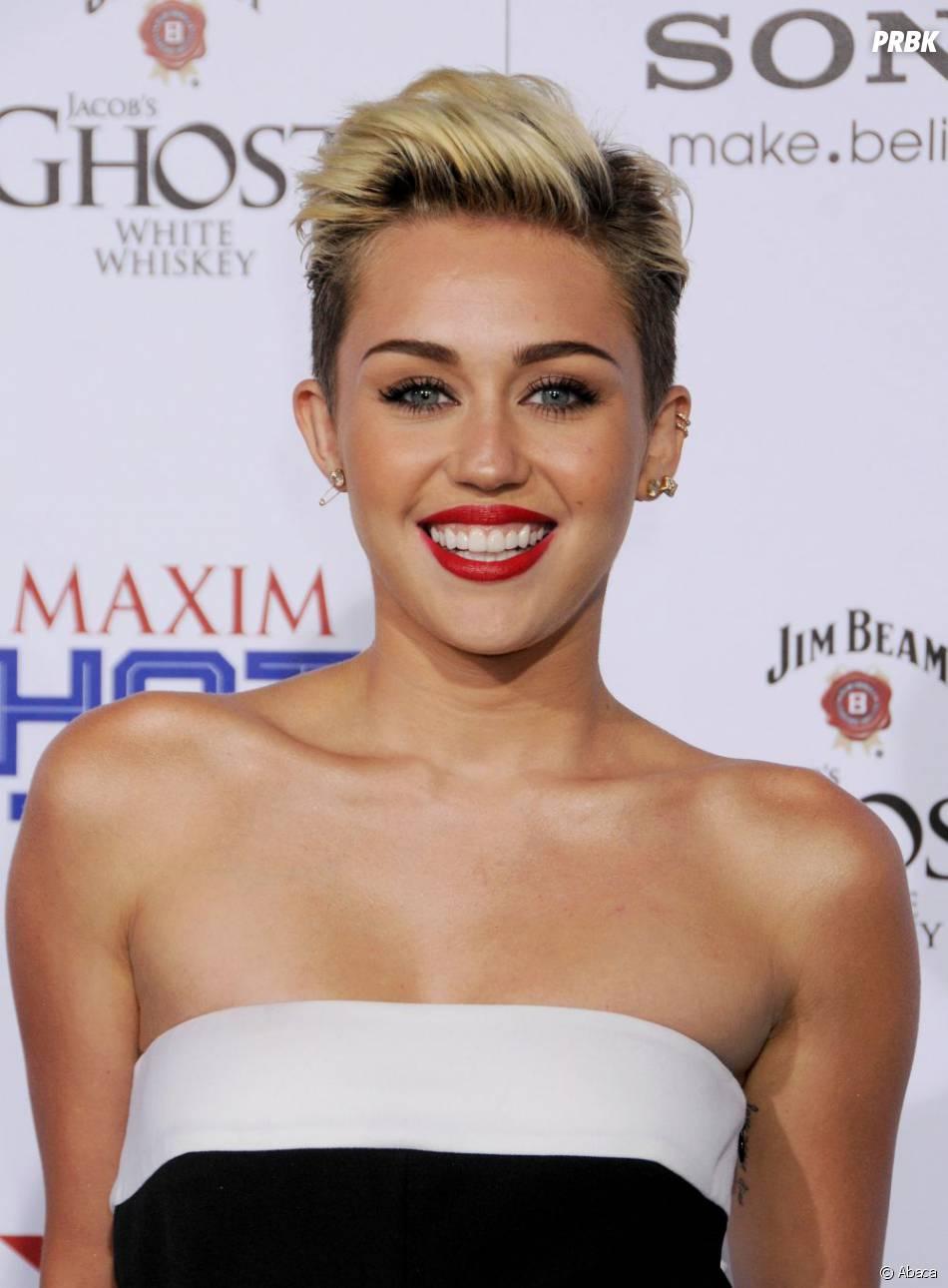 Miley Cyrus n'hésite pas à se mettre à nue pour la bonne cause.