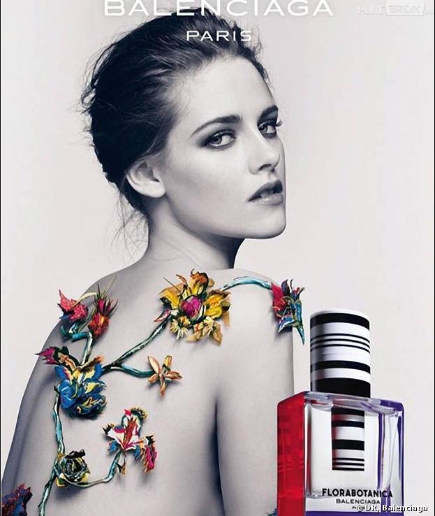 Kristen Stewart : topless pour Balenciaga