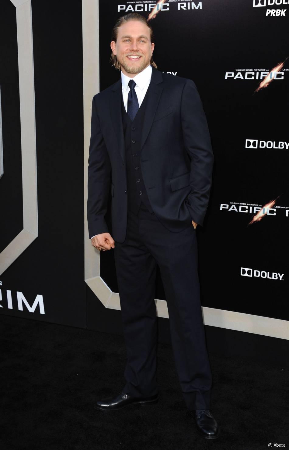 Charlie Hunnam rejointFifty Shades of Grey