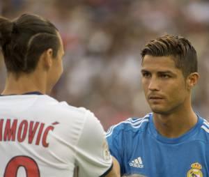 Cristiano Ronaldo face à Zlatan Ibrahimovic, le 27 juillet 2013 en Suède