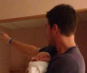 Stephen Amell papa : première photo de sa fille