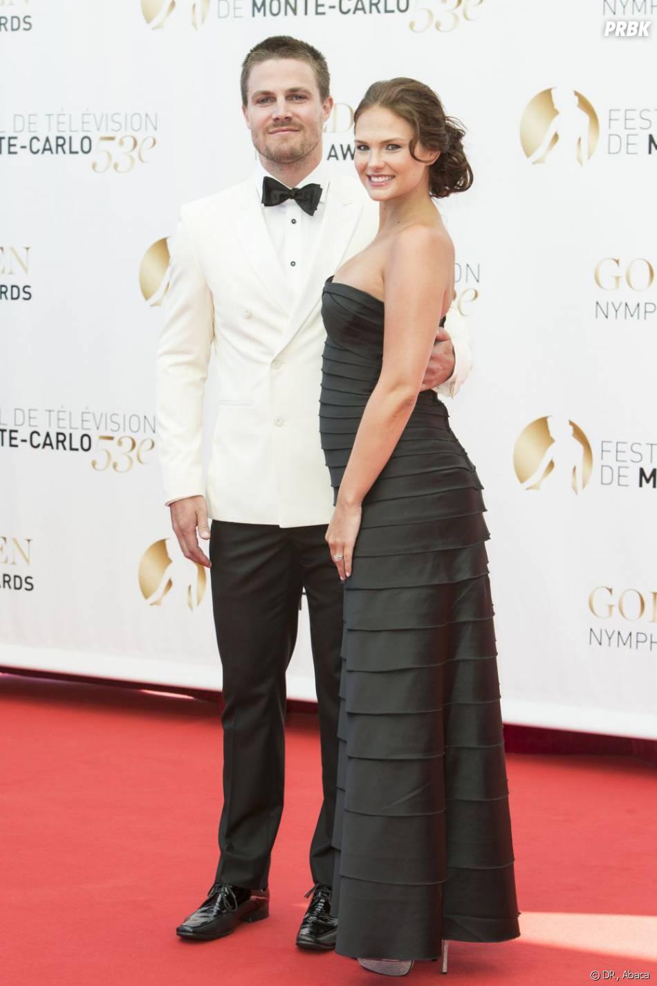 Stephen Amell et sa femme Cassandra à la cérémonie de clôture du Festival de télévision de Monte Carlo 2013