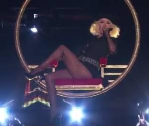 Christina Aguilera : show sexy sur le plateau de The Voice avec Flo Rida