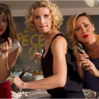 Jamais le premier soir : Alexandra Lamy et Mélanie Doutey dans deux teasers délirants