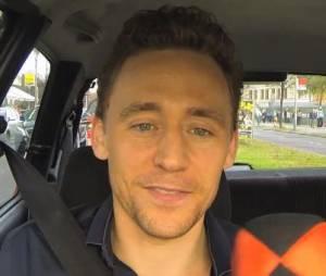 Tom Hiddleston : Loki se met au karaoké en Allemagne