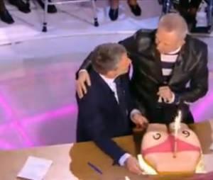 Antoine de Caunes : Jean-Paul Gaultier et Frank Michael pour son 60e anniversaire dans le Grand Journal sur Canal+, le 2 décembre 2013