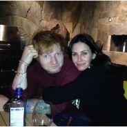 Ed Sheeran et Courteney Cox en couple ? Les rumeurs absurdes
