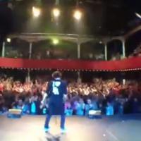Kev Adams : montez sur scène avec lui